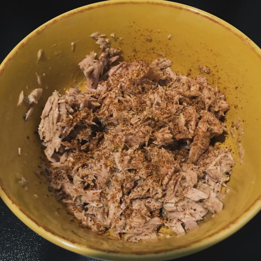 Mixed tuna with Cajun seasoning